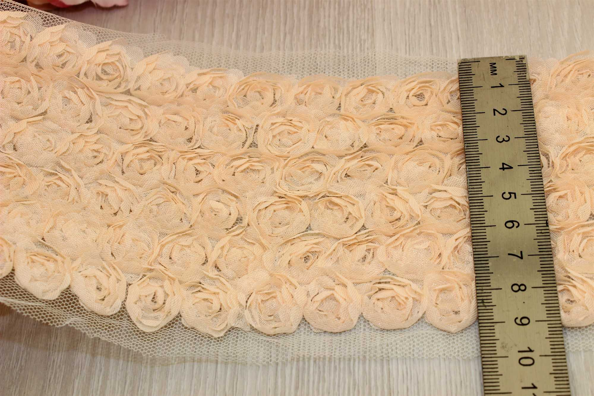 Фатин с розой (3 оборота) 10см*0,5м В наличии